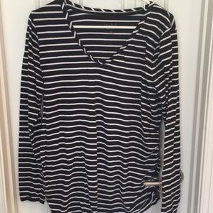 Navy and white maternity side ruched tee XL GUC